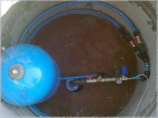 Как завести воду в дом от скважины своими руками